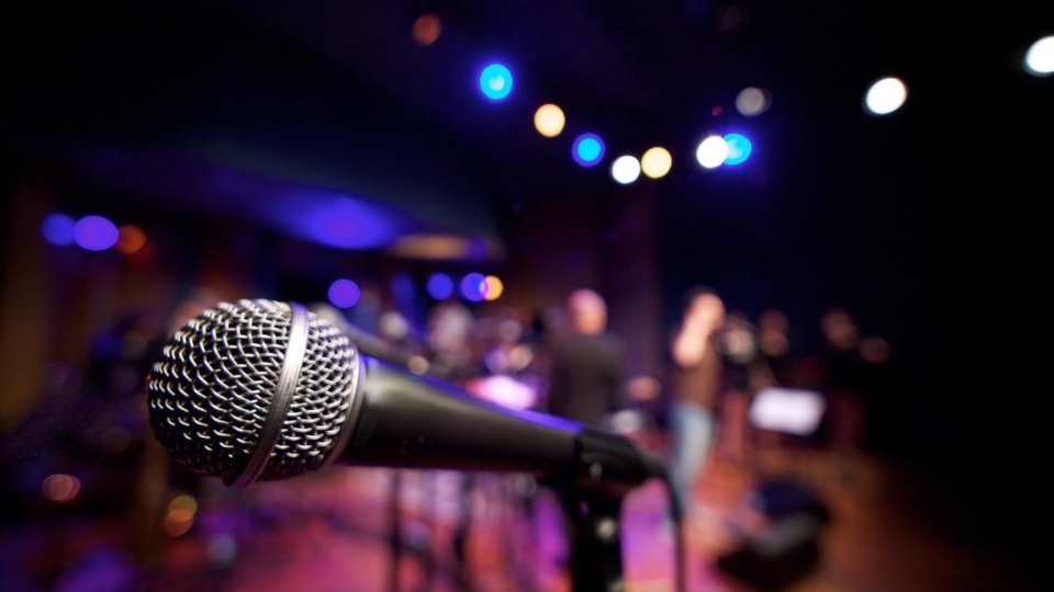 Horizontal Microphone on Music Stage