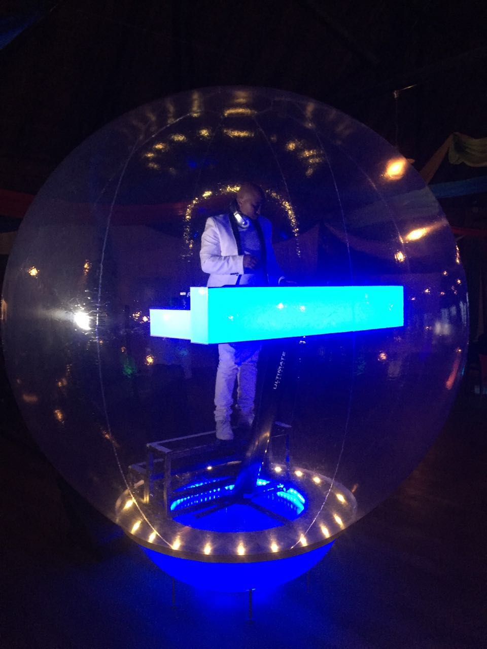 DJ in The Bubble 4